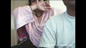 Kinky Indian chick flashes her juggs
