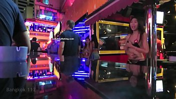 nana plaza tranny pub 2 bangkok.