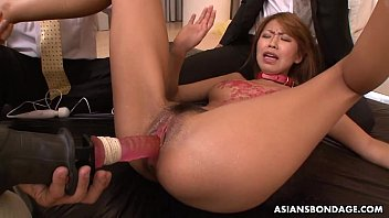 Sex slave brushed on her pussy waxed and toyed