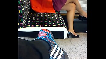 sexy painted feet on london underground