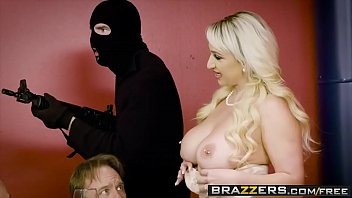 brazzers exxtra - prince yashua - throating on.