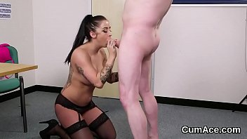 Kinky looker gets cumshot on her face swallowing all the cum