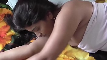 Hot mallu aunty bathing    hot shortfilm