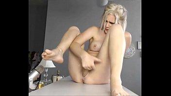 Very Hot Blonde Squrting Cum - wow69cams.com