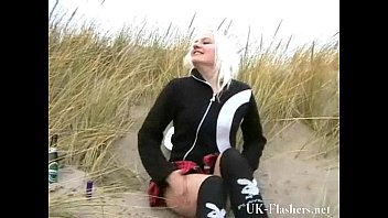 Beach babe pissing in public and amateur blonde exhibitionist squirting outdoors