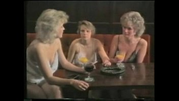 1980039_s undress in the local boozer