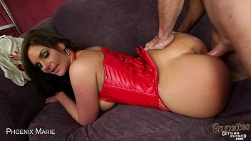 brown-haired cougar phoenix marie blowage a.