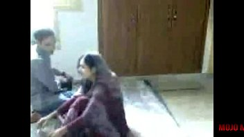 indian gf bang-out with her beau - 2017.