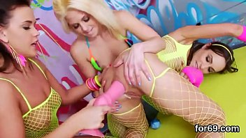 Lezzie dolls stretch their deep butt holes and nail hefty dongs