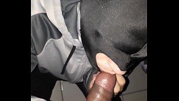 Rafaela bambiny trans 22 Osasco sendo mamada pelo novinho