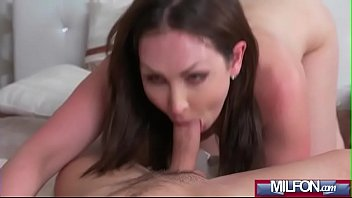 Milf Takes Home Boy Toy from Gym(Yasmin Scott) 02 vid-13