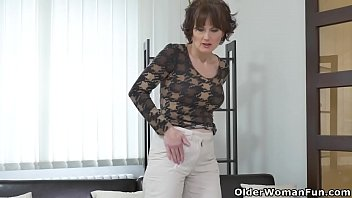 Euro milf Alice Sharp works her cunt with a dildo