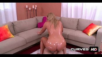 Bubble Booty Blonde Payton Simmons 1 12
