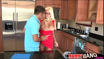 rikki six 3 way sesh with step-mom nikita.