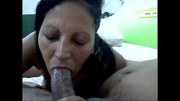 Esposa chupando no motel