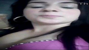 Novinha Ninfeta enviando video da buceta para grupo do whatsapp - SEXCAM888.COM