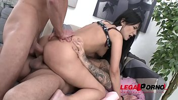 fleshy badgirl angie moon 1st time to gonzo.