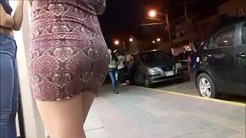rica cola en minifalda