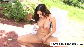 taylor vixen gets a tiny country