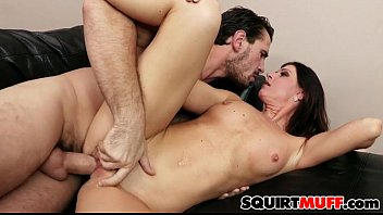 India Summer squirting pussy