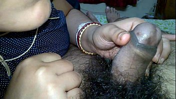 Indian Pinki Bhabhi kissing on husband Jeet'_s dick when handjob