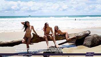 Aims Elly Kathleen naked pussies on the beach