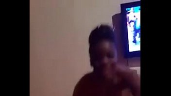 puta angolana mostrando tudo numa danccedil_a