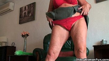 These British milfs know how to be a domestic goddess