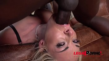 good-sized-chested wifey victoria summers gets interracial gullet smash.