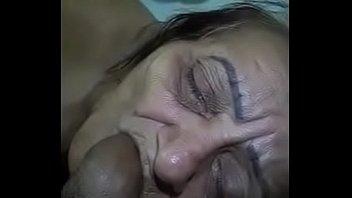 abuela chupando pene by guapohot