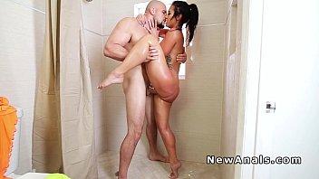 Twerking girlfriend anal pounding pov