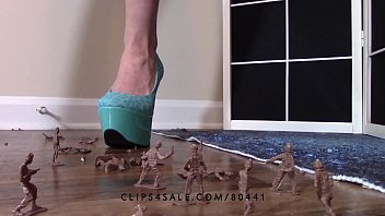 Giantess goddess lucy crushing army men high heels crush fetish lucywants