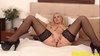 wonderful silver-blonde romanian lady takes off and drains.