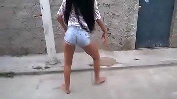 Novinha dancando funk #2