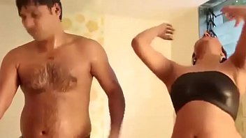 mms of indian chick and bf fucky-fucky in douche