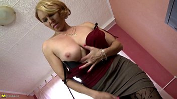 mature mummy with brilliant figure and thirsty crevices hotgirlsnowtk