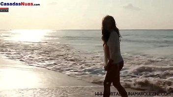 [Visite CasadasNuas.Com] Duelo de Gostosas: Bruna Marquezine vs Marina Ruy Barbosa - Quem Ganha o Pr&ecirc_mio de Mais Gostosa? Comente  -- Visite CasadasNuas.Com