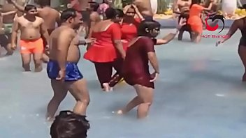 wwwdesichotitk introduces recording sizzling dance at open water.