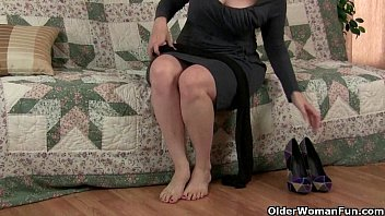 mom039_s pantyhosed cunt gets her all sizzling and kinky
