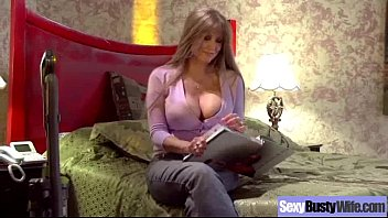 hump activity with ample cupcakes housewife darla crane video-11