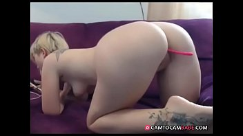 Blonde chick shows big ass live webcam xxx