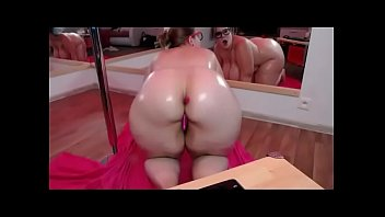 BBW twerking big wet ass show