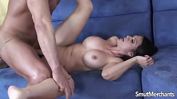 sumptuous dark-haired cougar luvs taking meatpipe