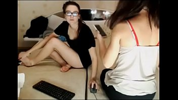 russian girls chill webcam