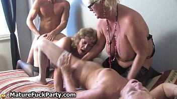mature crazy housewifes gargling