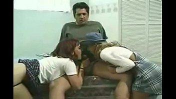 pai e suas 2 Filha