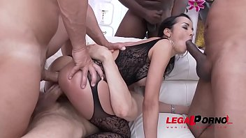 Spanish whore Francys Belle enjoys rough Double anal with fisting, squirting