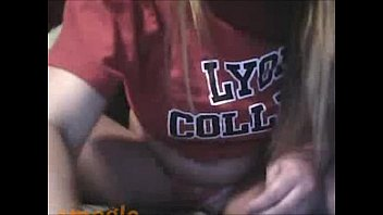 Horny college girl on cam